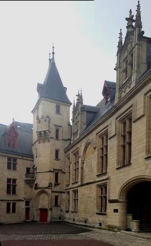 Hôtel de Sens - Cour